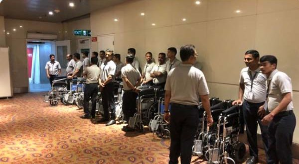 Wheel chair at airport photo tweeted by Anand Mahindra